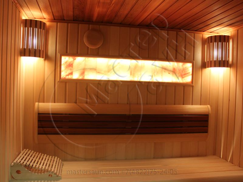 finskaja-sauna-s-gimalajskoj-rozovoj-solju-i-potolkom-iz-kedra-15