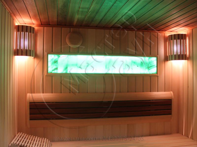 finskaja-sauna-s-gimalajskoj-rozovoj-solju-i-potolkom-iz-kedra-17