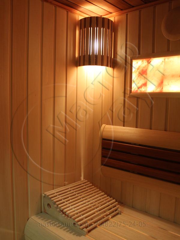 finskaja-sauna-s-gimalajskoj-rozovoj-solju-i-potolkom-iz-kedra-9