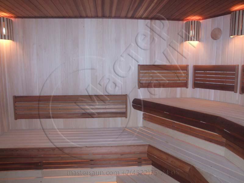 sauna-parilnya-s-trexurovnevnevymi-lavkami-02