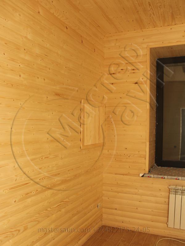 finskay-sauna-s-komnatoi-otdiha-is-blokhausa-11