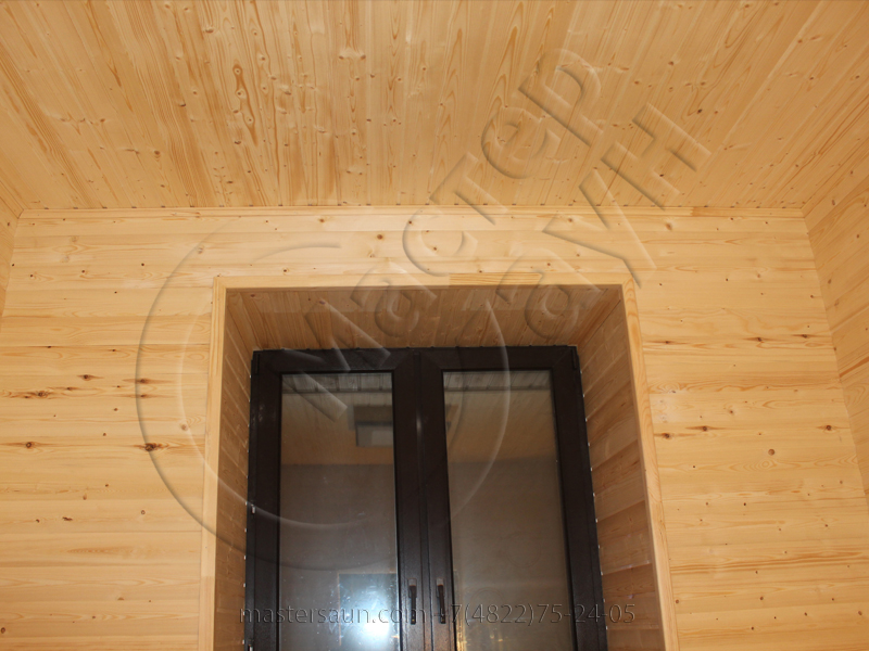 finskay-sauna-s-komnatoi-otdiha-is-blokhausa-23